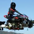 仮面ライダーもびっくり! タイヤを変形させて空が飛べるジェットエンジン付き4輪バイク『LMV 496』