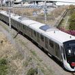 東急目黒線の新型車両「3020系電車」完成 JR貨物の機関車にけん引されて八王子へ