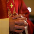 祭服姿で少年に性行為 「神父の性的虐待問題」日本のカトリック教会が実態調査へ