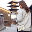 携帯小物は殆ど収まる容量感。京都の街並みをイメージした スリムでフィット感のある軽快ポシェット 「ミランダサコッシュコルト 」が登場。