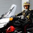 """天皇陛下の車列 選ばれし白バイ隊員しか運転できない""""側車""""とは――「皇宮警察」を知っていますか?"""