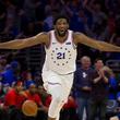 """【NBA】エンビードが33得点大暴れ """"強烈ウィンドミル""""に米熱狂「76ersがラプターズ破壊」"""