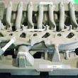 スカイアクティブエンジンは、精密砂型を使い1分で鋳造する:マツダ流シリンダーヘッド製造術