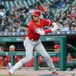【MLB】大谷翔平、ヒヤリ… 第3打席で手術した右肘に死球 エルボーガードを直撃
