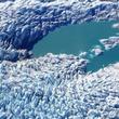 グリーンランドに異変。国内最大の氷河が融け大きな池が観察される