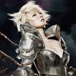 ナースの次は「女騎士」!? 独特すぎる椎名林檎さんの衣装