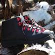 ダナー×スノーピークのブーツは街履きからアウトドアまで大活躍します