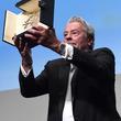アラン・ドロンがブルガリのオクト フィニッシモを身に着けて 第72回カンヌ国際映画祭に登場