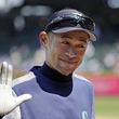 【MLB】イチロー氏は3Aで相手選手からも人気!? 笑顔の2ショット写真に「カッコイイ」