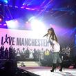 アリアナ・グランデ、爆弾テロ事件から2年を迎えたマンチェスターへ敬意を表す