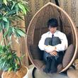 """鈴木伸之、『ラジハ』のオフショットを公開! 体育座りで眠る姿が""""可愛すぎる""""と話題に"""