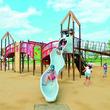 京都市内最大級の複合遊具や水遊びもできる!水族館&鉄道博物館にも注目の「梅小路公園」