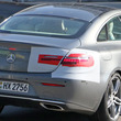 メルセデスベンツ Eクラスクーペ 改良新型、開発車両をスクープ…内外デザイン大刷新