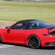 開発中の新型ポルシェ・911 タルガ4の最強モデル「タルガ4 GTS」をキャッチ。0-100km/h加速3.5秒!