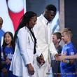 「涙が止まらない」 NBA期待の新人となった我が子へ、母の愛情に全米が感動