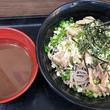 立ち食いそば散歩 第160回 武蔵小山「名代富士そば」で味わうは、期間限定「淡麗煮干し汁 肉つけ蕎麦」
