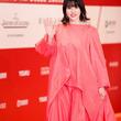 長澤まさみ、背中が開いた大胆ドレスで上海国際映画祭レッドカーペットに登場