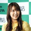 """NMB48白間美瑠、""""添い寝風""""SHOTにファン歓喜「かわいくて眠れない!」「超可愛い」"""