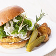 ニューヨークレストラン「サラベス」品川店 5周年記念スペシャルメニュー第1弾「シュリンプバーガー」