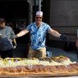 """画像:世界一大きなホットドッグがこちら 「ホットドッグを発明した男」のレシピを受け継ぐ""""本物"""""""