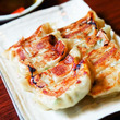 ギュッと旨味肉汁を閉じ込めた福岡名物ひと口餃子!「テムジン」の50年以上愛される味を大阪で