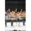 WWE東京公演参戦組が帰国!AJスタイルズ率いるザ・クラブがリコシェを襲撃!