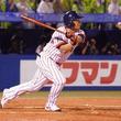 岩村氏 あと少しで本塁打 満塁からフェンス直撃の同点適時打 ヤクルトOB戦