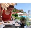 本田翼「肉感的タンクトップ」写真に「もはや直視できない」の声!