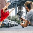 DJI、ミラーレスカメラ用片手持ちスタビライザー「Ronin-SC」を発売。被写体トラッキングなどのインテリジェント機能を搭載