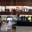 ショッピングモールで集中豪雨による予期せぬ浸水!動揺する人々にタイタニックを演奏するミュージシャン(メキシコ)