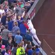 """【MLB】マリナーズ野手があ然… 敵ファンのファウル""""横取り""""に米「妨害じゃないか」"""