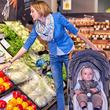 2度見必至の可愛さ スーパーで買い物をする子ども連れの母親かと思ったら?