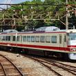 富山地方鉄道16010形電車 洗車中でした!