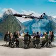 ニュージーランド航空、オールブラックス出演の機内安全ビデオ新作を発表 ~「オールブラックス航空」に社名変更!?~