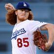 【MLB】初奪三振動画にファン「あの髪…」 198cmの長髪カーリーヘア剛腕が衝撃デビュー