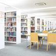 夏季休暇期間中、図書館を開放。文京区在住で文京区立図書館に利用登録をしている満18歳以上の社会人を対象