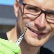 鎮痛剤を体内の目的の部位に届けられるサーキットをスイスの大学が開発中