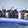 国境なき医師団、イタリア・マルタ両国に対し、救出した移民・難民の上陸許可を要請