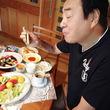 """高橋英樹、山荘での""""おうちご飯""""を紹介「とにかく野菜 果物 が多い!」"""