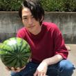 和田雅成 ヤンキー座りしたスイカ売りのお兄さん写真が話題