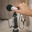 スマホやカメラで使えるポータブル外付けマイク「Q Mic」でビデオの音質アップ!