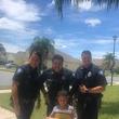 お腹が空いて警察に電話した幼い少年 駆け付けた警察官の神対応にニッコリ