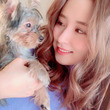 衛藤美彩、実家で飼っている愛犬との2ショットに「ノアちゃんもみさちゃんも天才的にかわいいです!!」の声