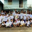 ミャンマーの子供たちが「くまモンのぬりえTシャツ」にぬりえ~熊本地震の復興で笑顔を届けたプロジェクトが、海を渡って希望を届ける~