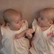 73歳女性、元気な双子の女児を帝王切開で出産。世界最高年齢の初産記録に(インド)