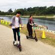 電動マイクロモビリティのLUUPが岡崎市の乙川河川敷にて電動キックボードの実証実験を実施