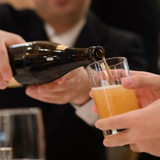 20代は飲み会での「お酌」否定派が7割超。では4…