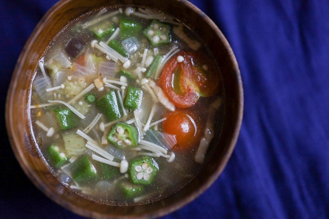 ガンボ風野菜いっぱいスープ
