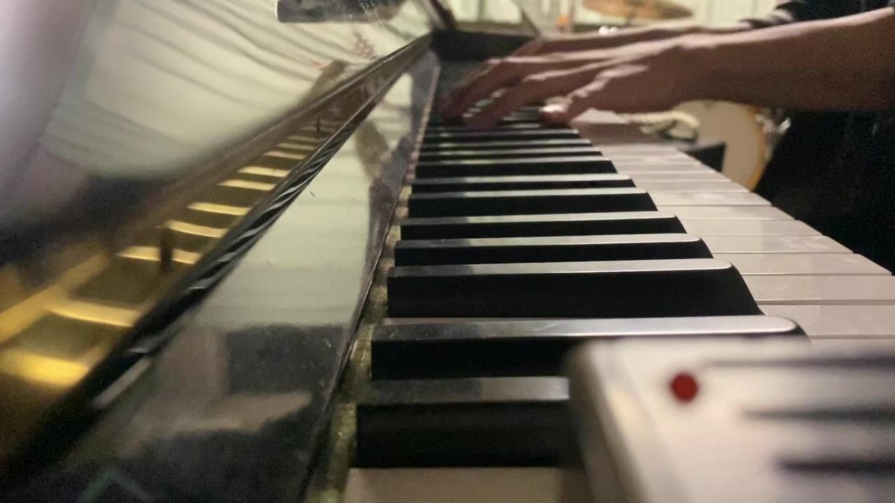 スパークル ピアノ